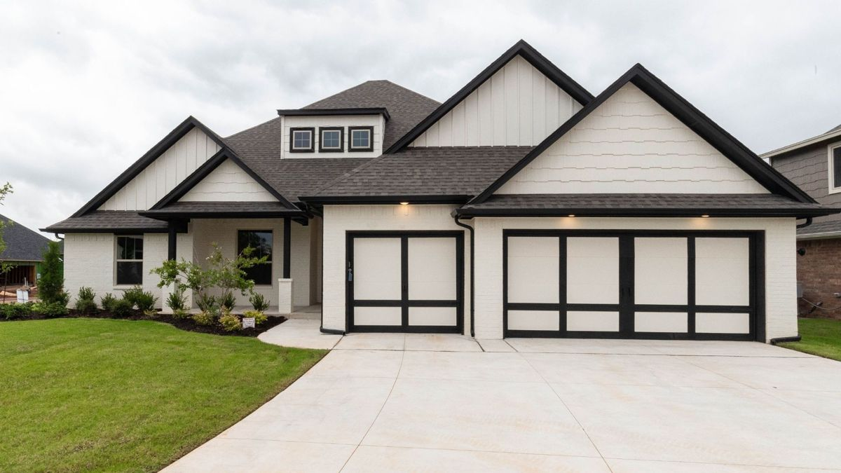 Affordable Elegance Is Standard In Homes By Taber S Black Series Floor Plans Homes By Taber Floor Plans New Homes Open Living Area