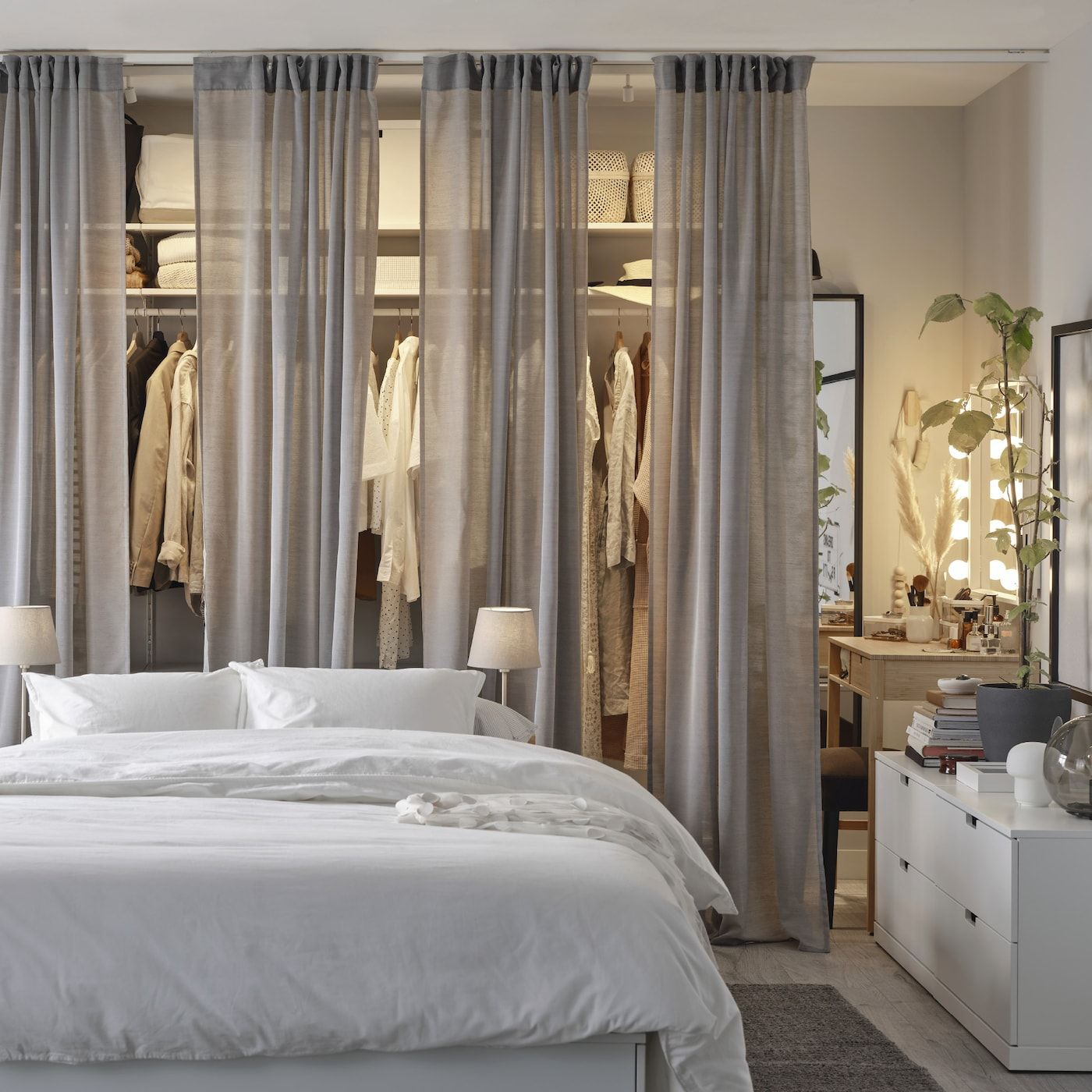 A Bedroom With Chic And Accessible Storage In 2020 Bedroom Styles Bedroom Design Home