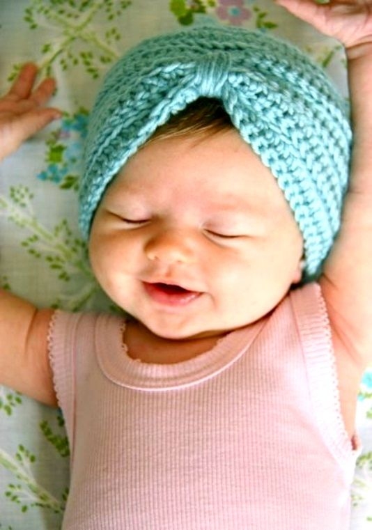#Baby #Photography smiling little #girl with knit cap ToniK ~•❤•Bébé•❤•~  Precious