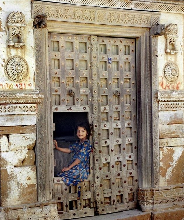 Want to Come Inside #gujrat #gujrati #olddoor #incredibleindia #india