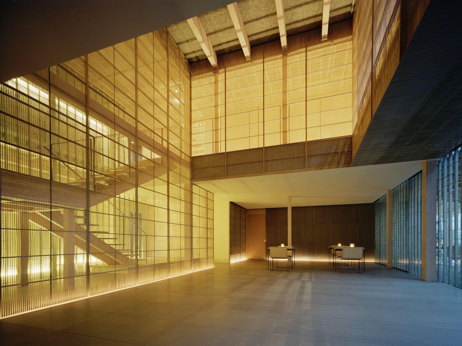 Ginzan Onsen Fujiya . Kengo Kuma & Associates. uplighting + timber batten