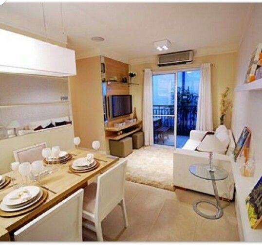 Sala pequena simples decorada rack suspenso espelho em for Mesa de cafe pequena sala de estar