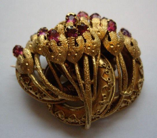 Vintage Gilt Metal Ladies Rhodolite Garnet Flower Brooch/Jewels Collecting Dust