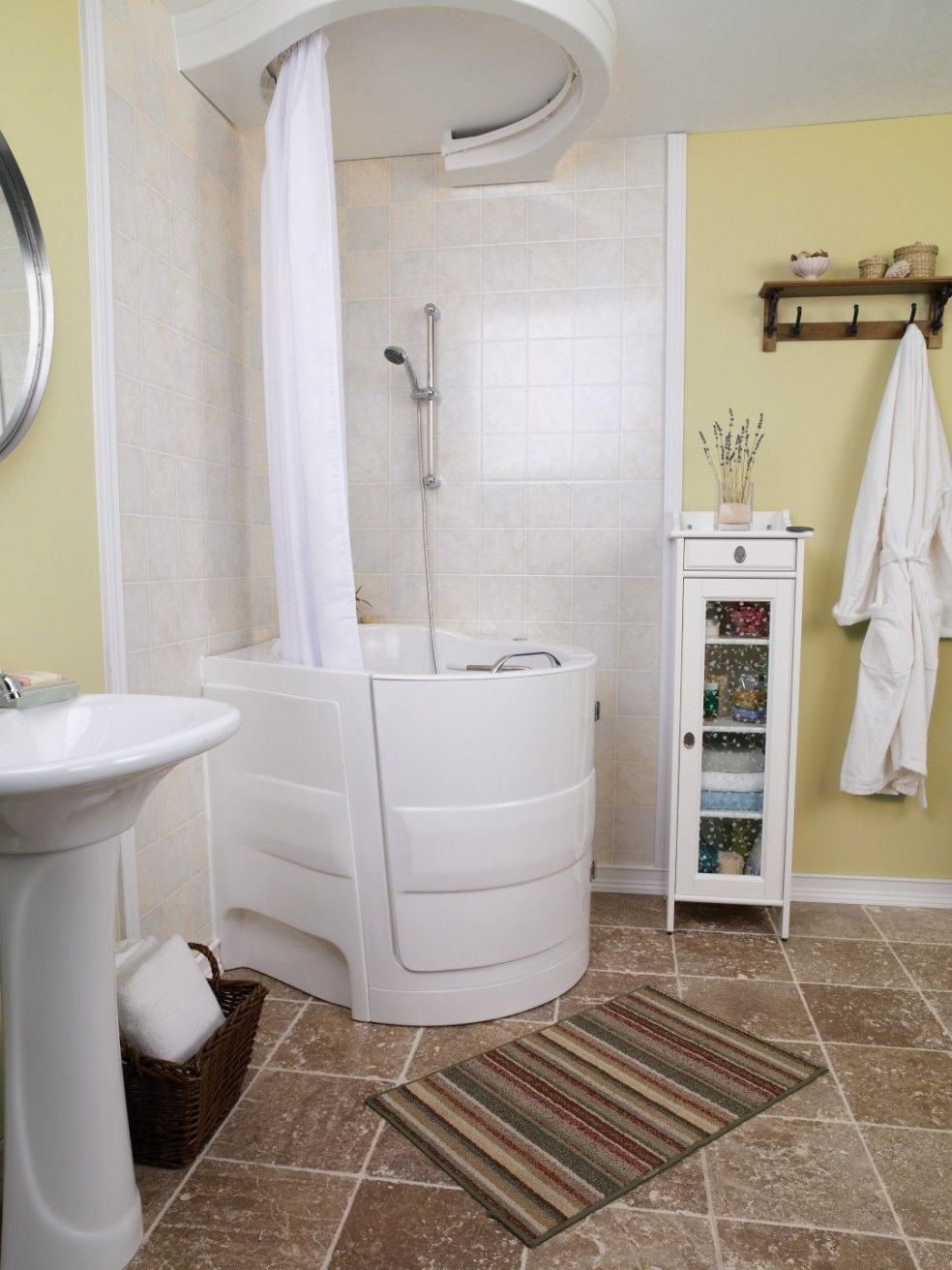Bathrooms sitdown bathtub design with white fiberglass for Sit down shower tub