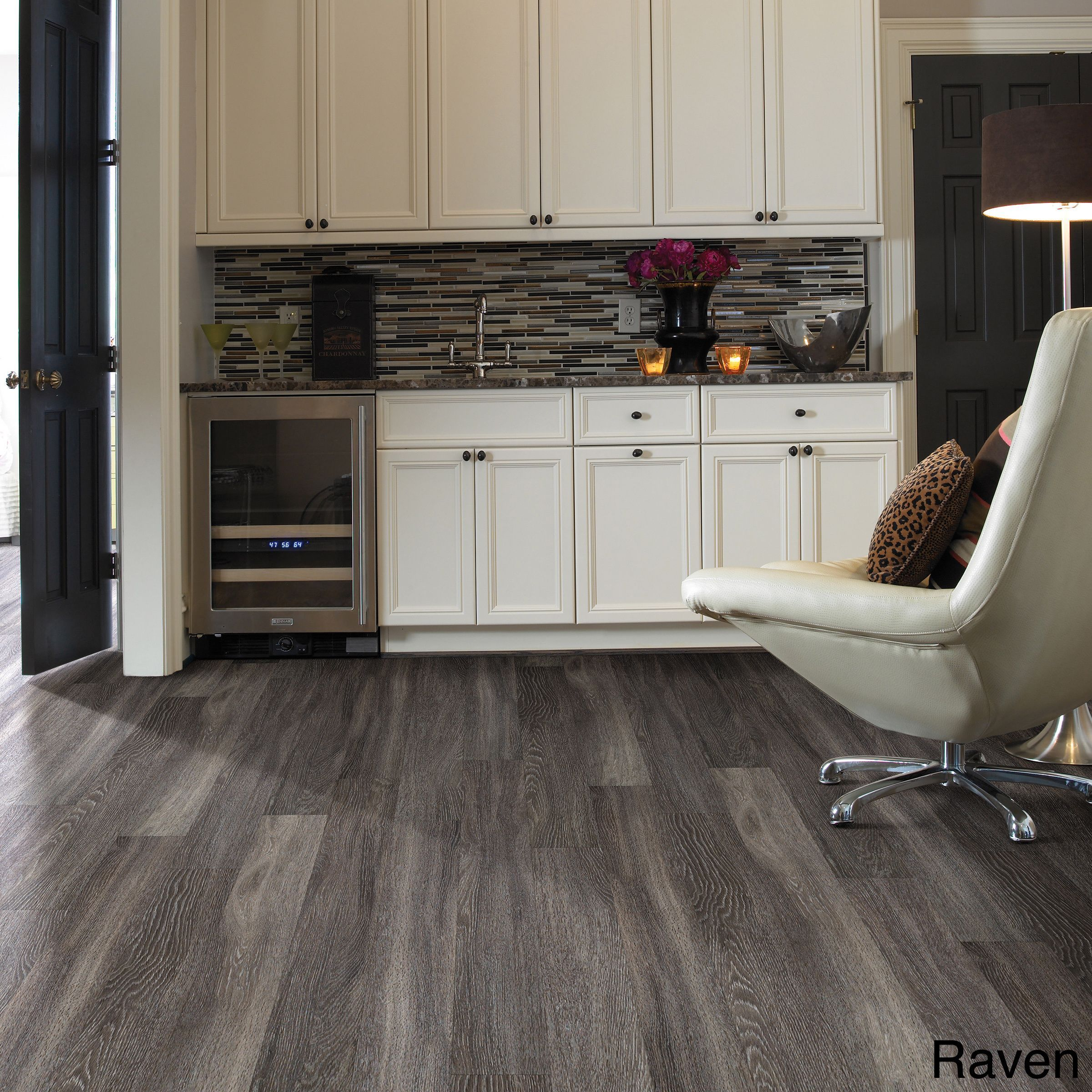 Vintage pewter oak pergo outlast laminate flooring pergo 174 flooring - Give Your Home A Refreshing New Look With This Harwich Oak Vinyl Plank Flooring In