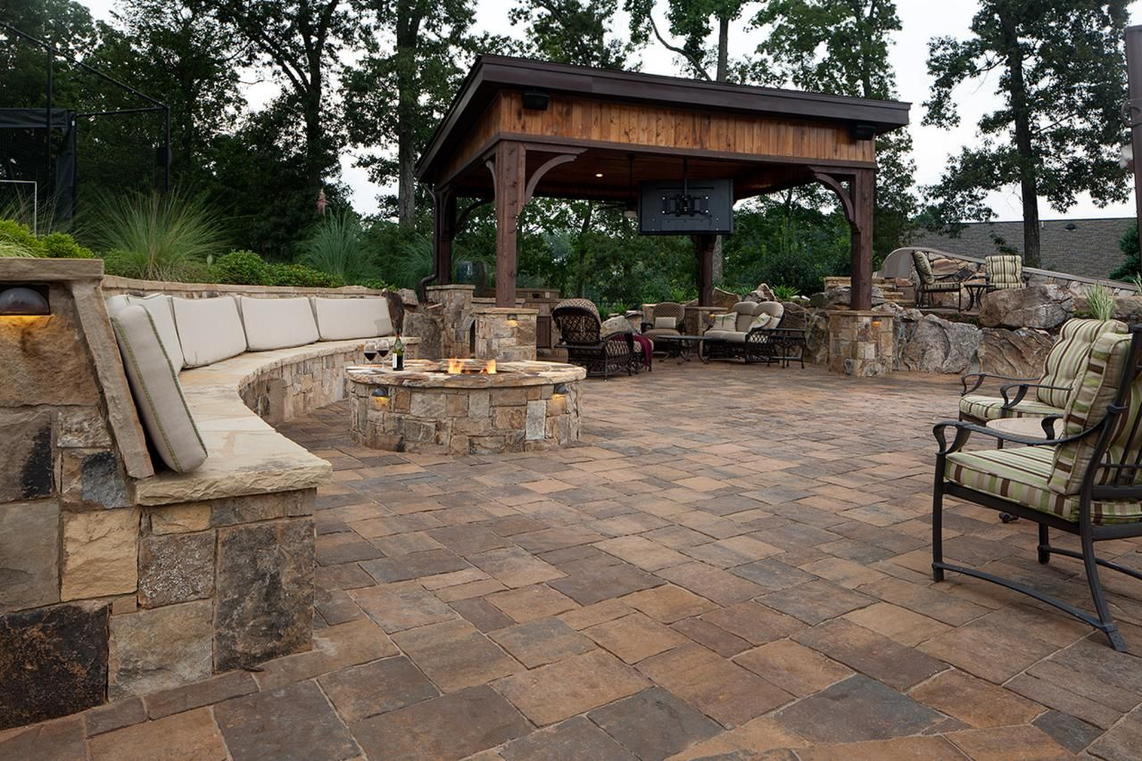 13 fire pits and fireplaces in outdoor kitchens fire pit for Outdoor gazebo plans with fireplace