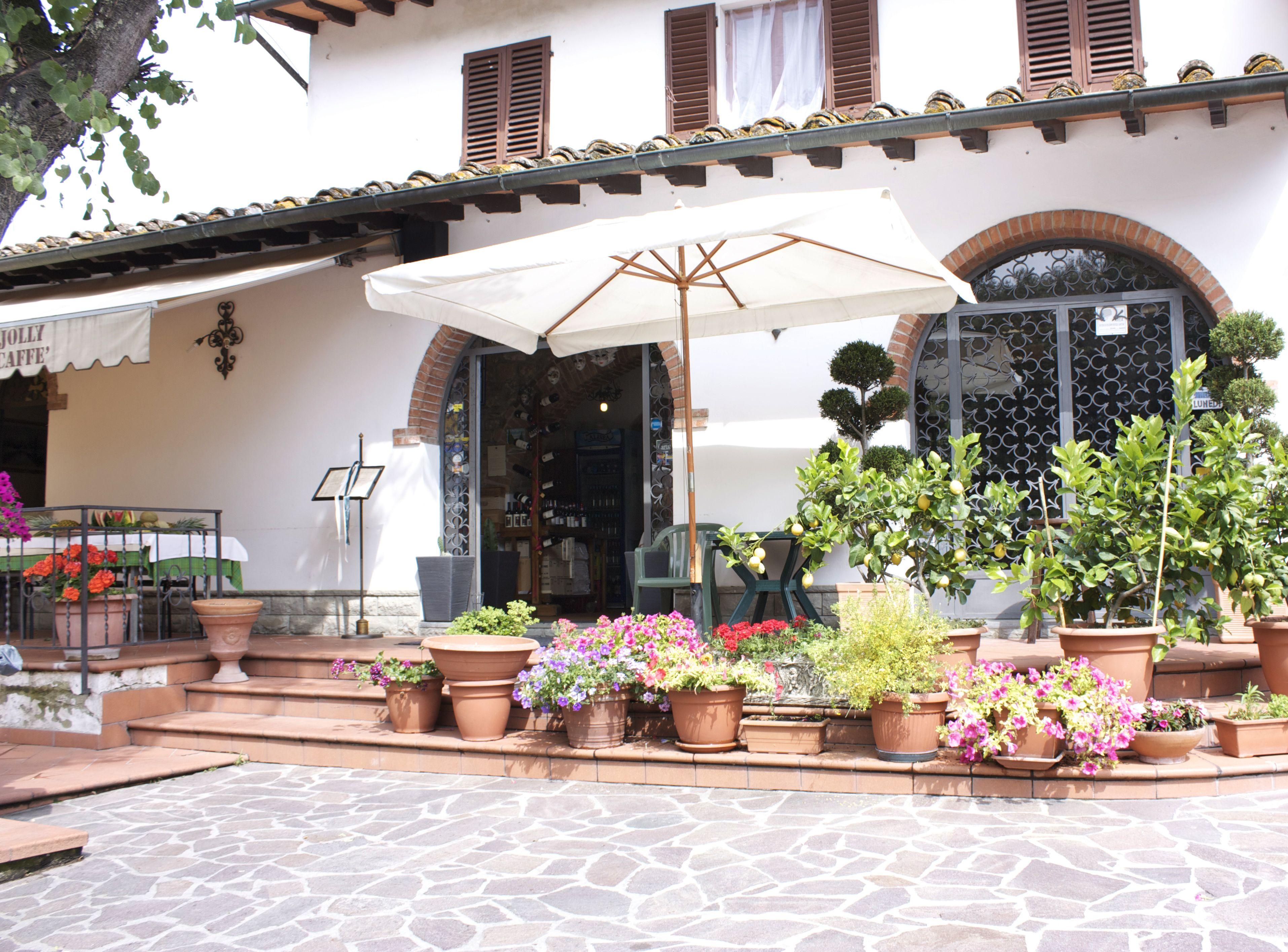 Ristorante le Maschere Enoteca Outdoor decor, Restaurant