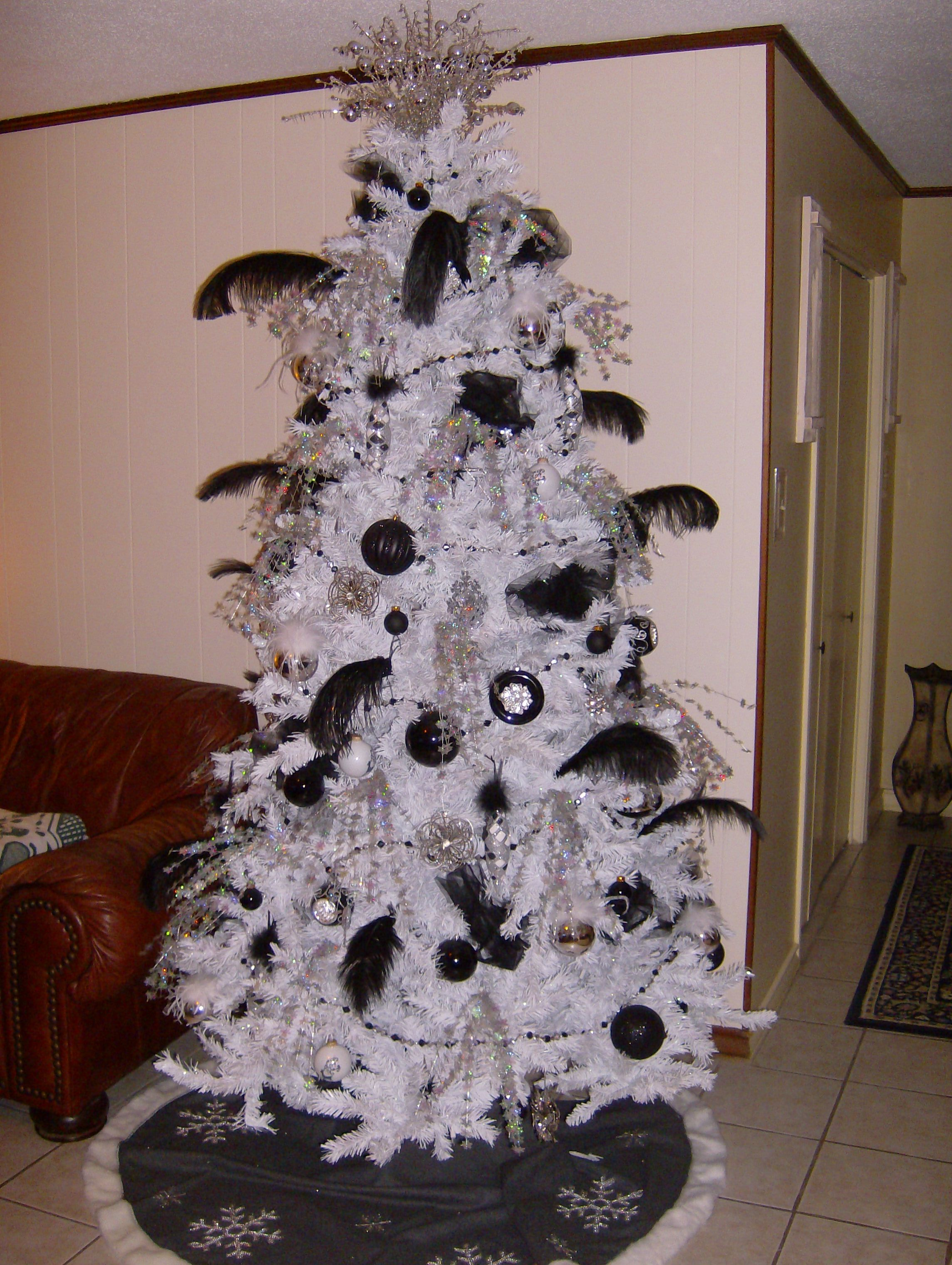 Black And White Christmas Tree Holiday Stuff Christmas Elegant