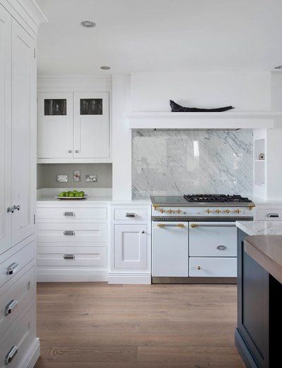 How to Mix and Match Your Kitchen Cabinet Hardware ...