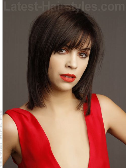 to medium haircuts a fabulous sleek look that has touches of texture just 9622