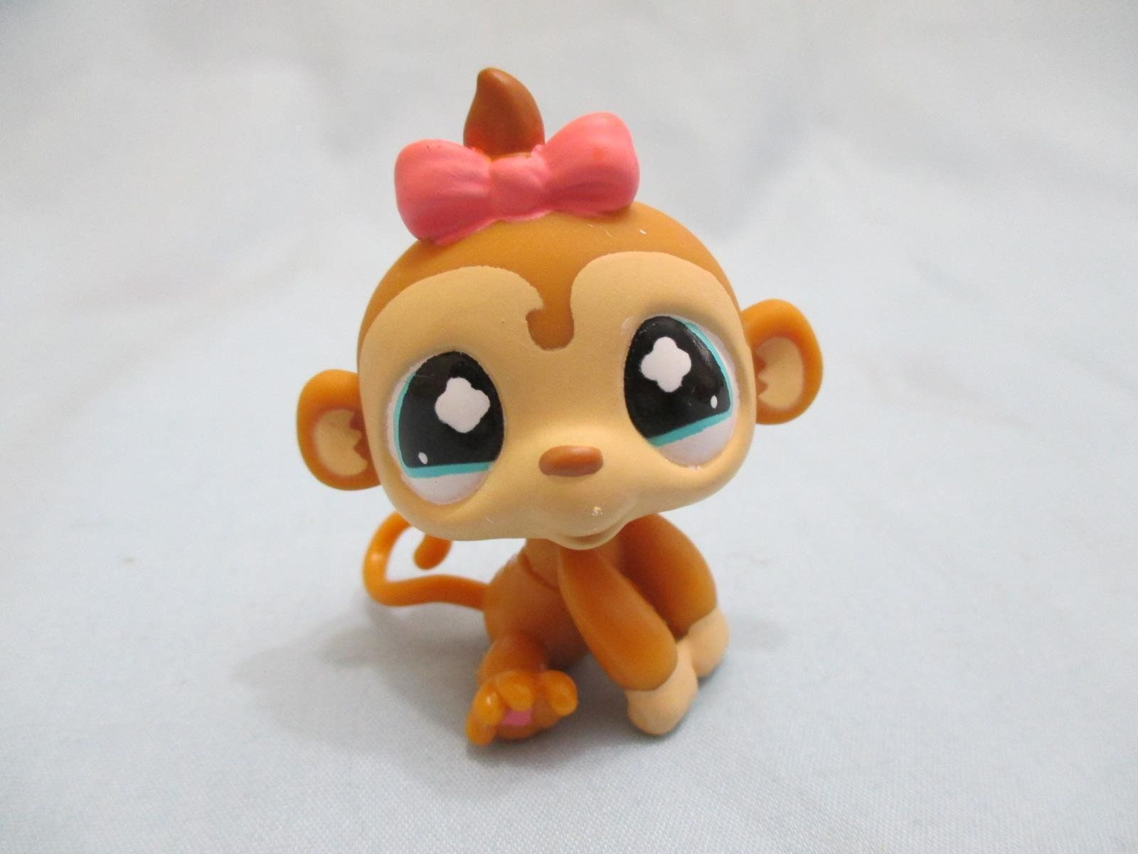 Littlest Pet Shop Dog St Bernard 1118 and Free Accessory Authentic Exclusive