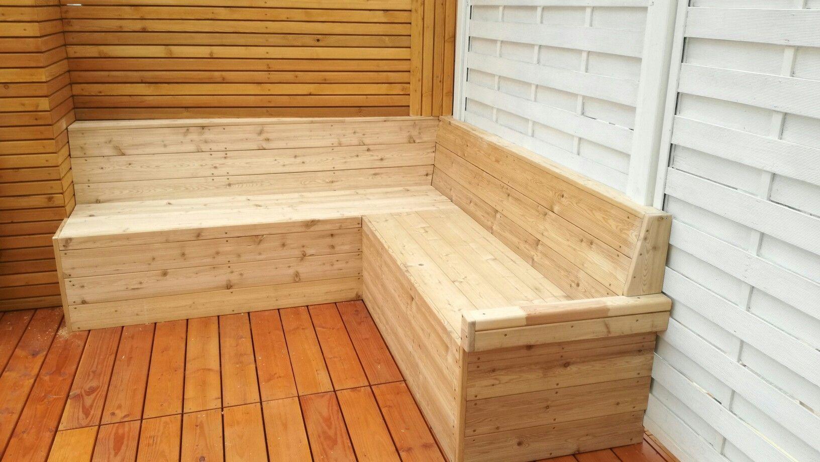 DIY Eckbank aus Lärchenholz