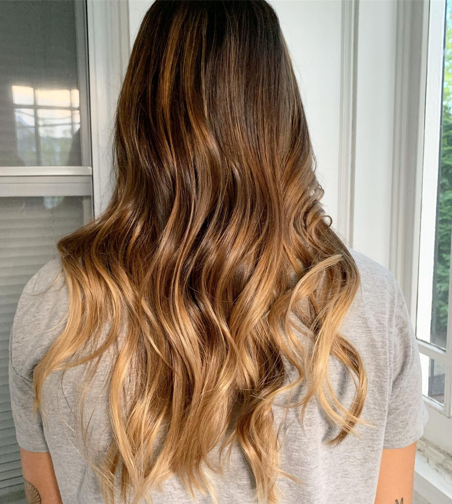 Chrissy Tiegan Inspired Balayage Lifted With Schwarzkopf Blondme Lightener Delicious Caramel Warm Tones Created Long Hair Styles Hair Creations Wella Color