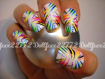 wild stripes and dots mani - Graffitti Nail Polish // Nail Art Pinterest Graffiti, Nail