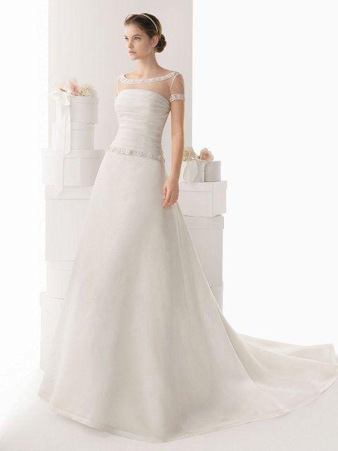 vestido de novia en gazar de seda, mangas camiseta, cuello bandeja o