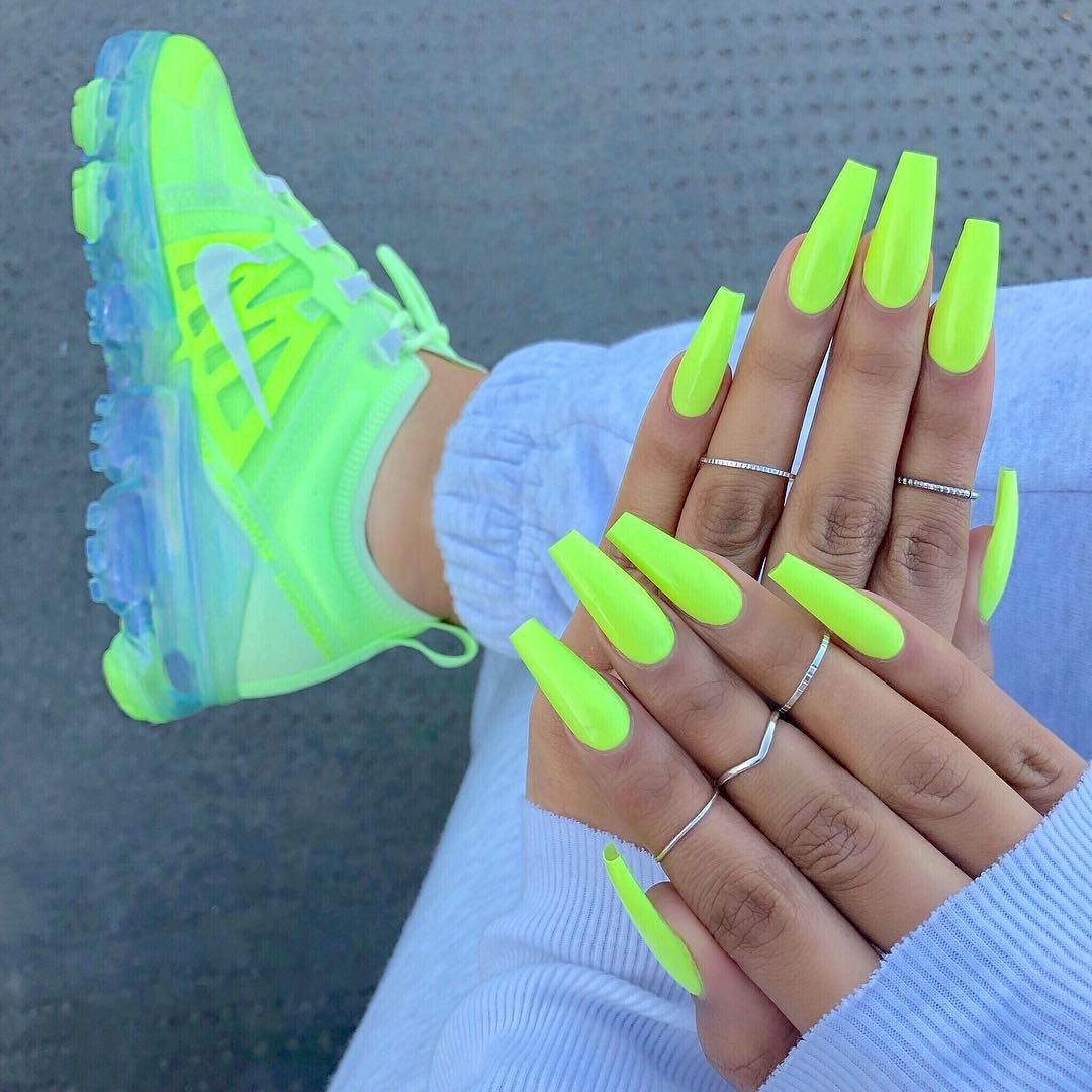 Follow Sneaker Queen sherlinanym IG to Get Trendy Nails Color - Neon Green Long Coffin Nails 5