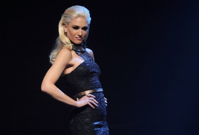 Gwen Stefani is so pretty. A little odd, but so pretty!