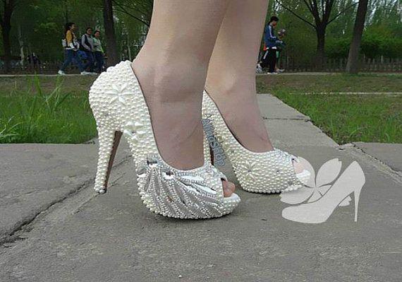Ivory Pearl Open Toe Heels Peacock Clean Rhinestone di AlinaShop, $145.00