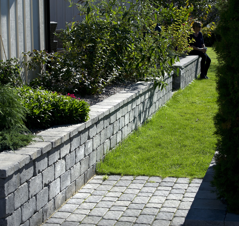 c91d2da27 Rådhus mur og beleggningstein.   Gardening Ideas   Hage inspirasjon ...