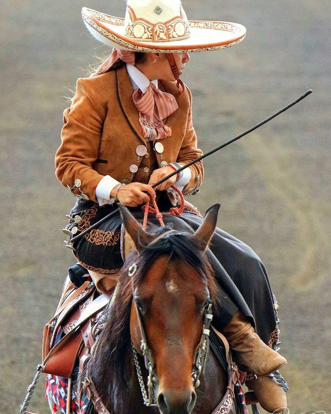 Escaramuza #Charrería. #México 🇲🇽 | HORSES IS MY LIFE en ...