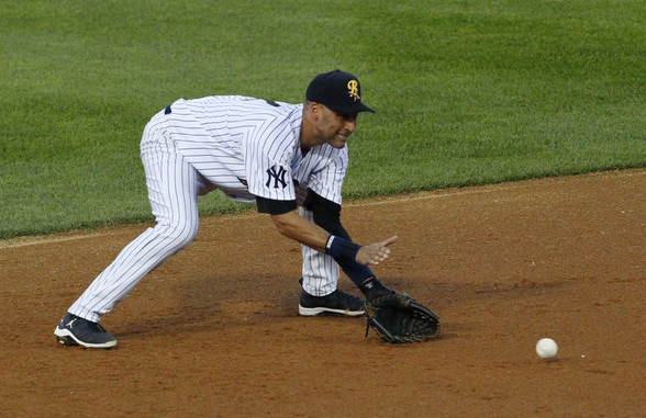 Derek Jeter Goes 0 For 3 In Fourth Rehab Game While Also Struggling Defensively At Shortstop Mlb Nbc Sports Derek Jeter Baseball Pictures Sports