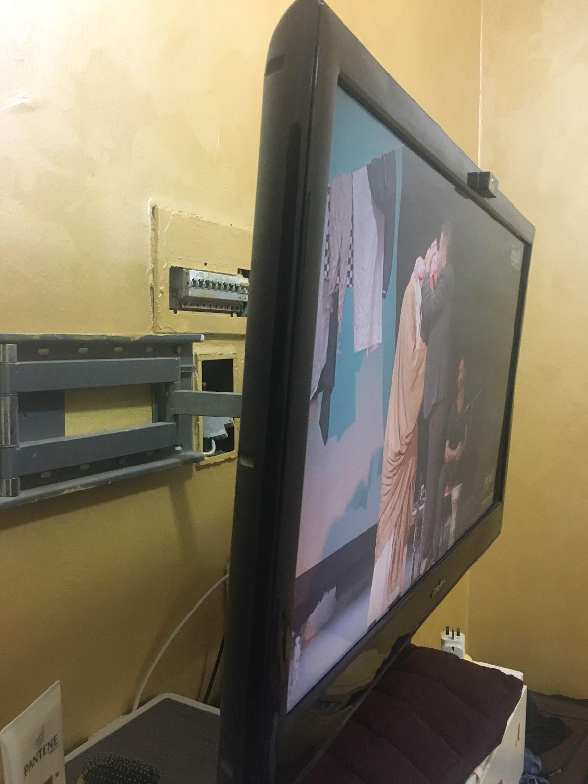 تركيب دش مع شاشات بلازما Flat Screen Flatscreen Tv Electronic Products
