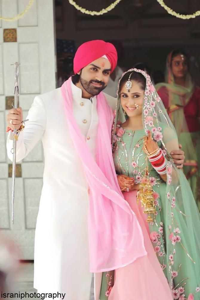 When TV Diva Hunar Made A Gorgeous Bride In A Pastel Green And Pink ...