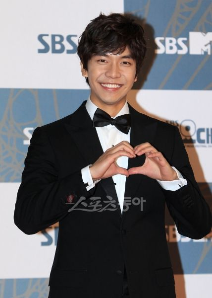 "Lee Seung Gi's fans gift luxurious lunches to the ""King 2 Hearts"" staff #allkpop #kpop"
