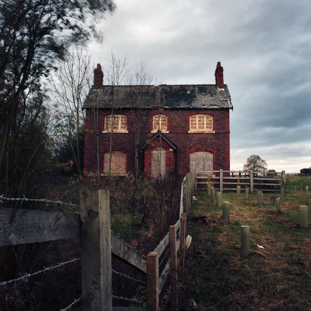 abandoned england houses cheshire creepy mansions places edge homes country alderley buildings place west haunted farm property via staffordshire wanderthewood