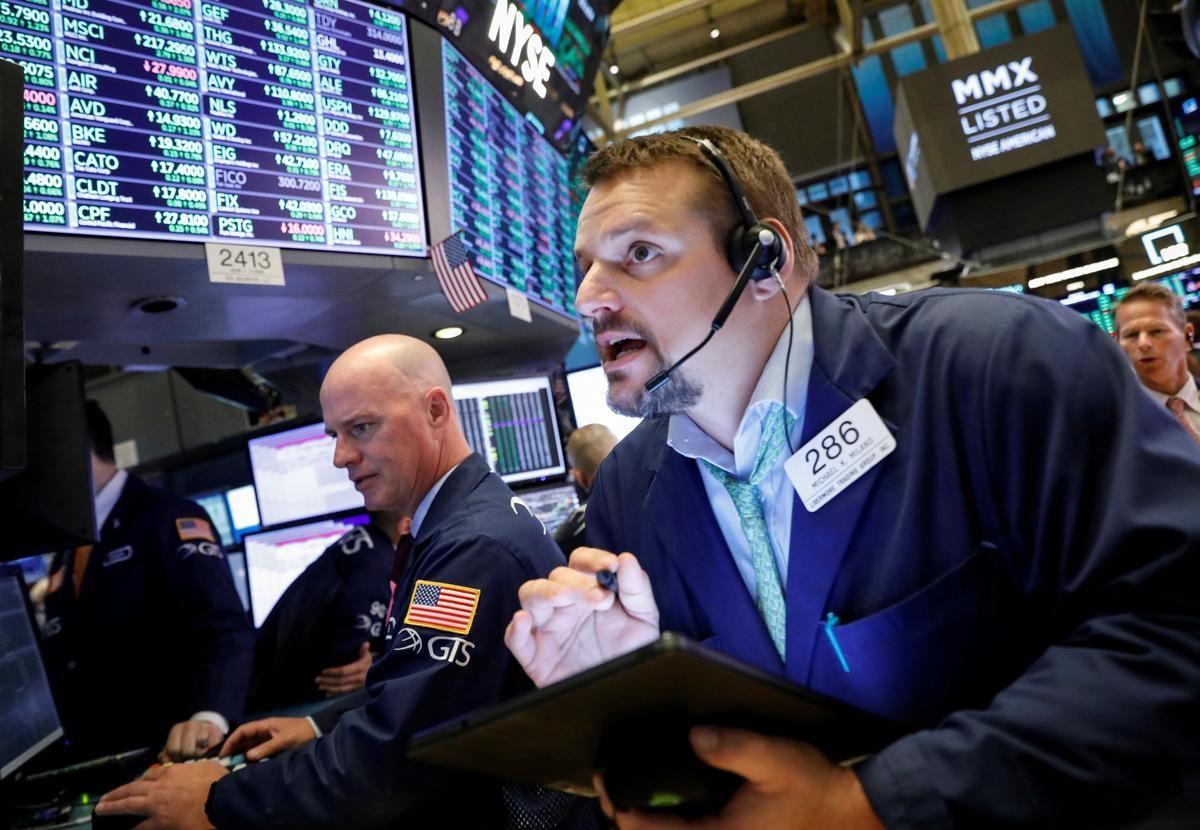 Wall Street gains as earnings season begins in earnest
