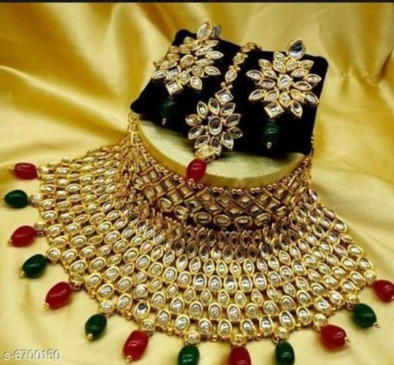 Lovely Indian Kundan Choker Necklace Earrings Peach Beads Tikka Jewelry Set, Traditional Gold Tone Party Wear Pakistani Fashion Jewellery.