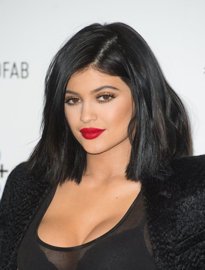 Loving Kylie Jenner S Bold Red Lips And Gold Eyeshadow Kylie