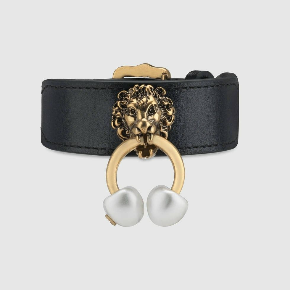 Gucci Leather bracelet with lion head