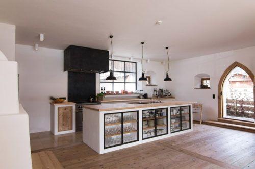 Offene Landhausküche in oberbayerischem Bauernhaus mit viel Raum - offene wohnkchen