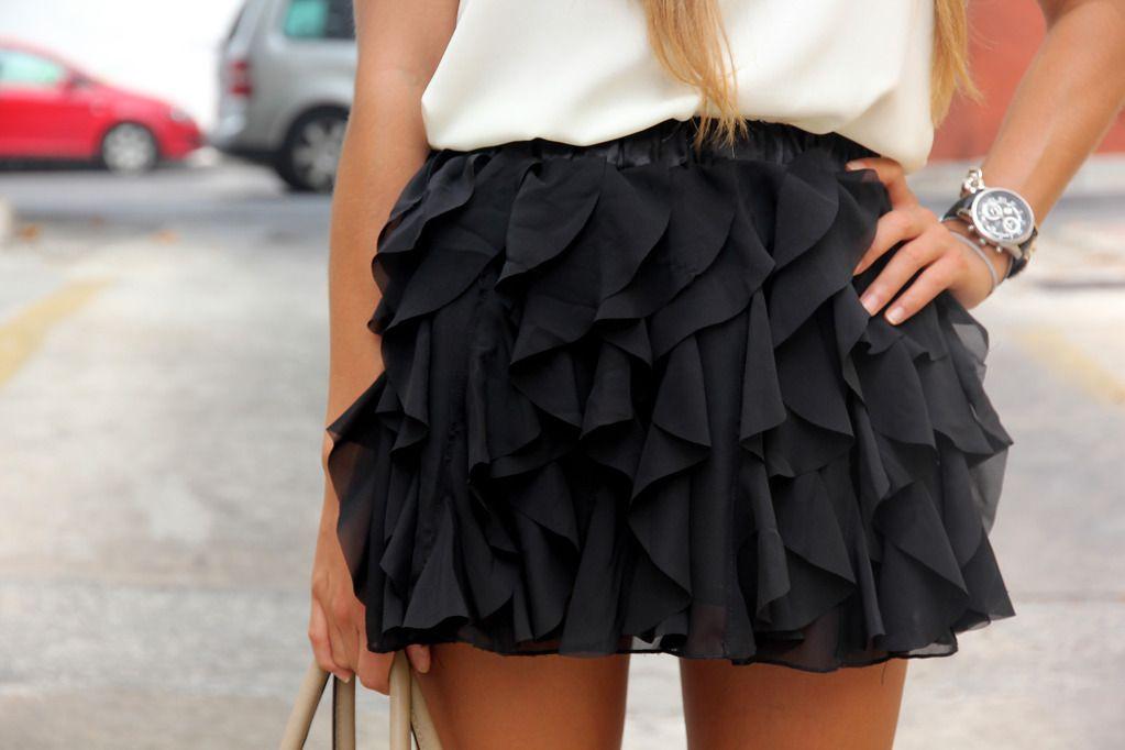 mini ruffled skirt
