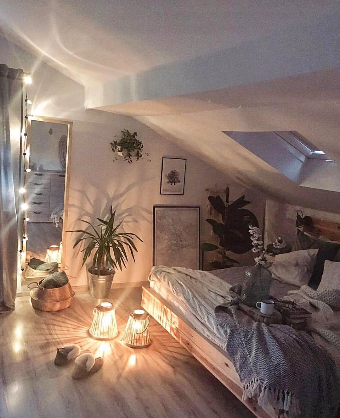 Home Decor Inspiration On Instagram So Cozy What Do You Love About This Room Follow Me My Homely Dec Bedroom Layouts Modern Bedroom Bedroom Design