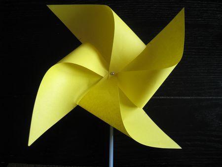 pliage papier moulin vent facile pliage et origami pinterest moulins pliage papier et. Black Bedroom Furniture Sets. Home Design Ideas