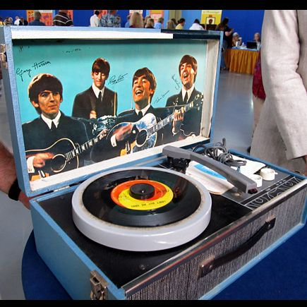 Beatles Record Player Ca 1965 On Antiques Roadshow Vintage Record Player Beatles Memorabilia Record Player