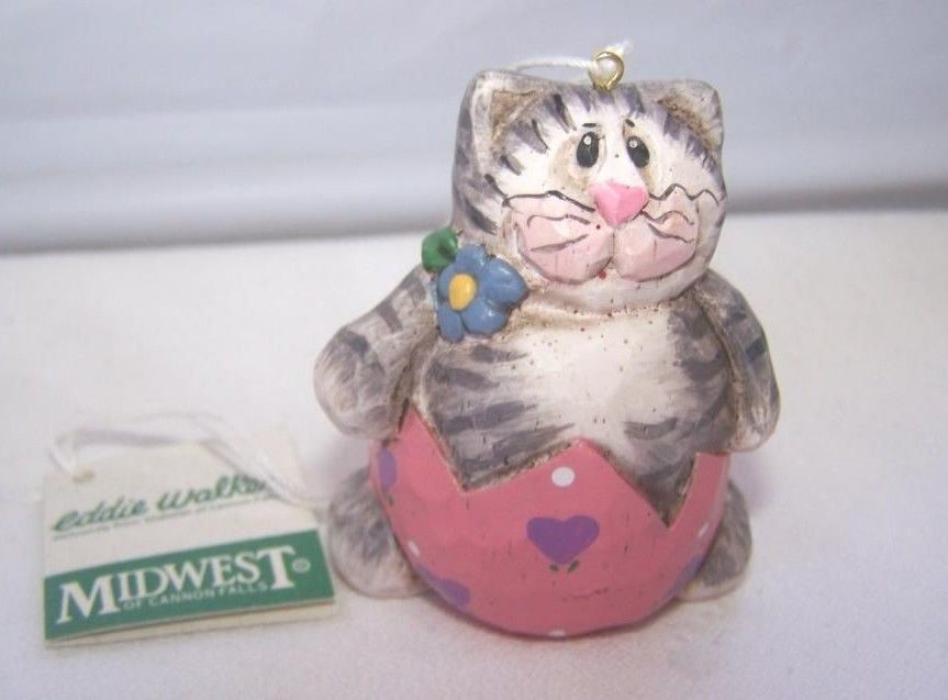 NOS Eddie Walker Gray Cat in Pink Egg Retired Midwest of Cannon Falls Figurine