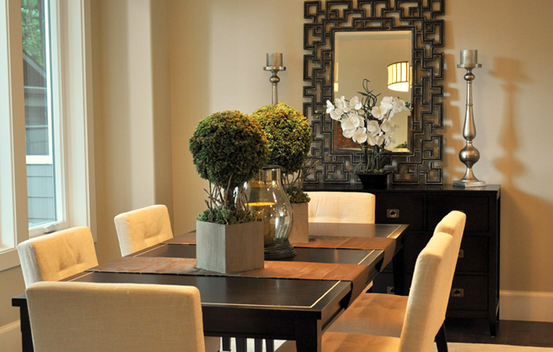 Love this dining room by our staging team \