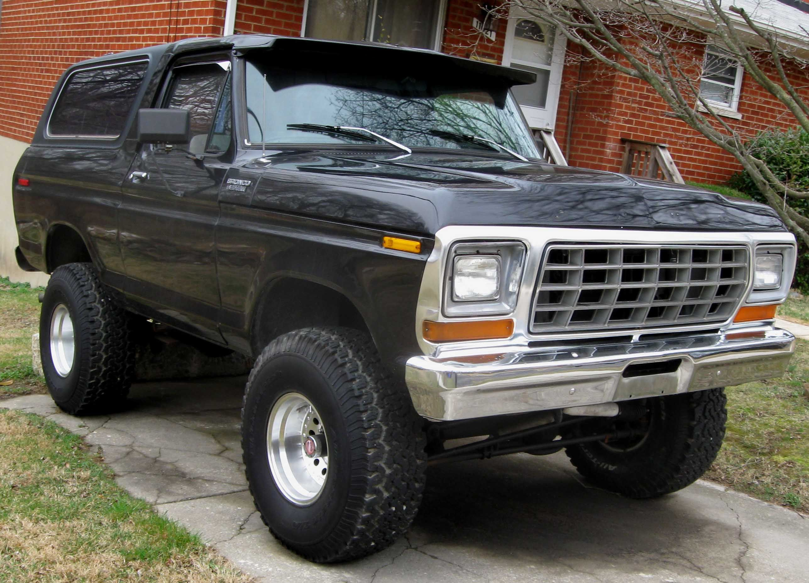 Diesel Ford Bronco For Sale - Dad traded his elcamino in for a black ford bronco it was a 5 speed and 4 wheel drive mom and i went to st louis and on the way back i