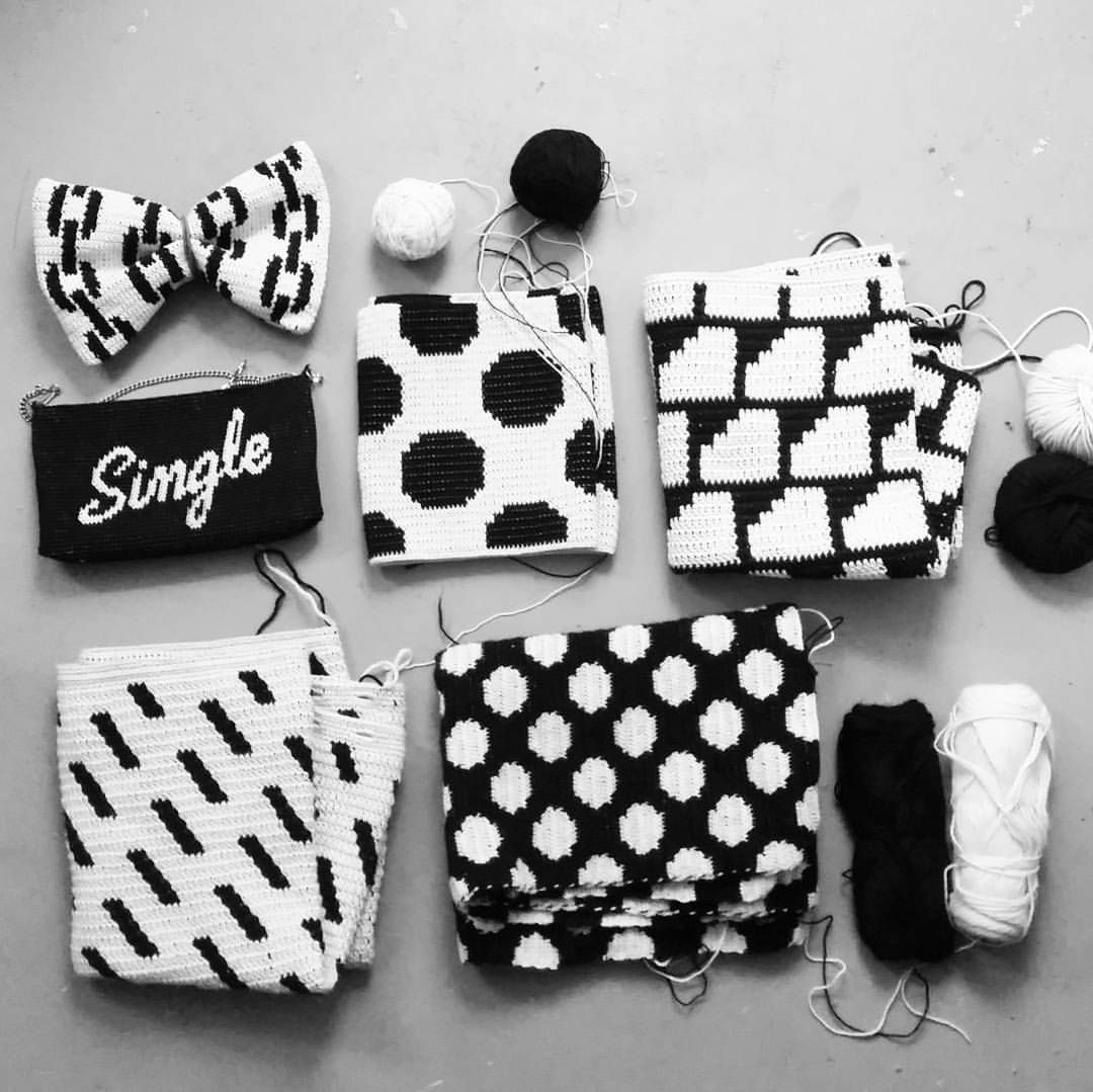 Crochet elements. All black & white. ♡ #mollamillsforlamana #mollamillscrochetterie #virkkuri #mollamills #crochetelements