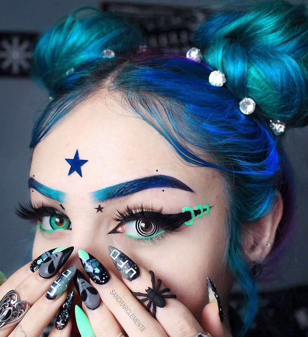 Impression Witch Makeup Blue mixing Green color Witch