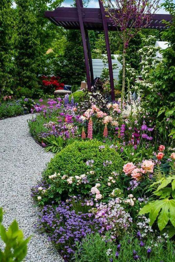 01 Stunning Small Cottage Garden Ideas For Backyard Inspiration Beaux Jardins Idees Jardin Amenagement Jardin