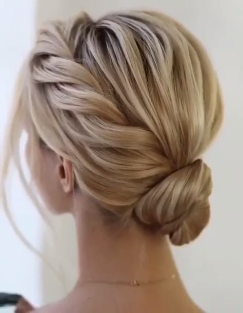 Photo of SIMPLE HAIRSTYLE TUTORIAL