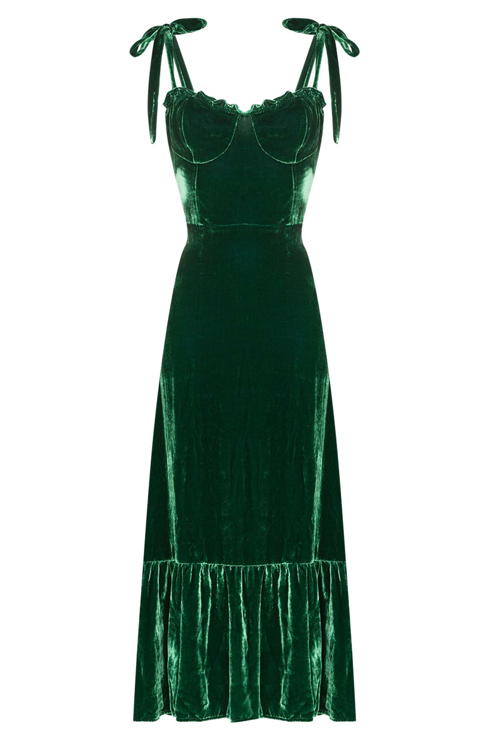 10 Incredibly Chic Party Dresses That Are Perfect For The Festive Season Green Midi Dress Short Dress Styles Sweetheart Neck Midi Dress [ 2400 x 1600 Pixel ]