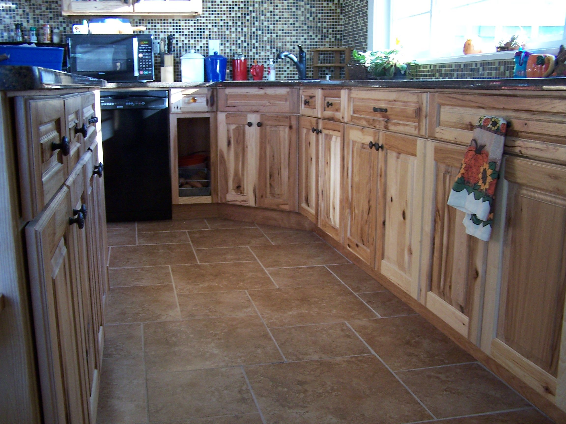 Hickory Cabinets Tile Floors Quartz Countertops What A Great Mix Hickory Cabinets Kitchen Flooring Arizona Living