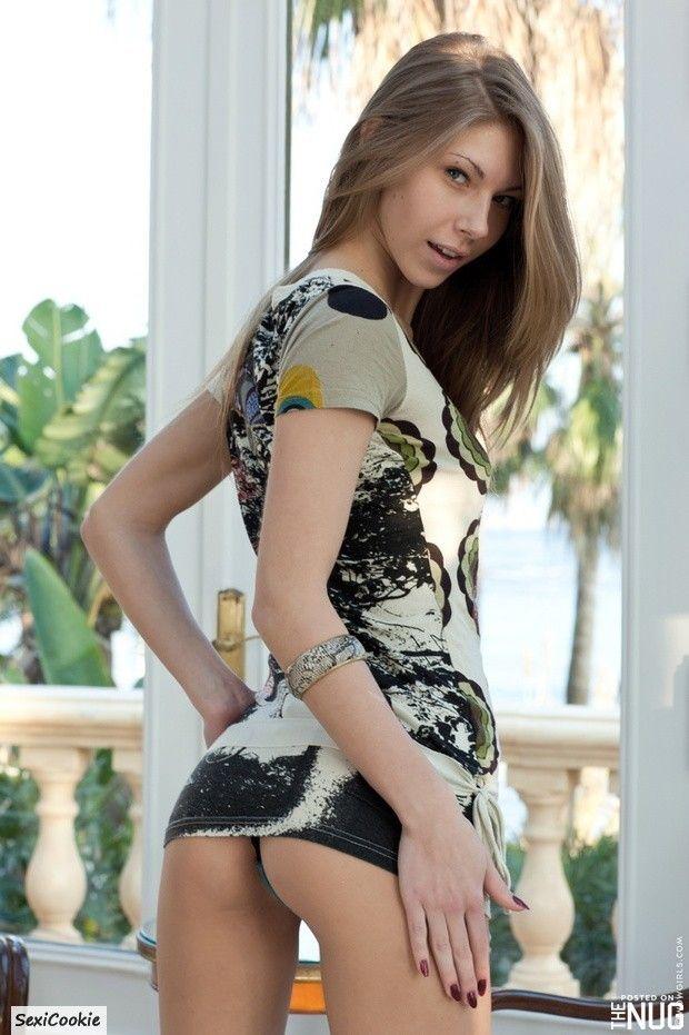 bottom-less-sexy-girls-photos