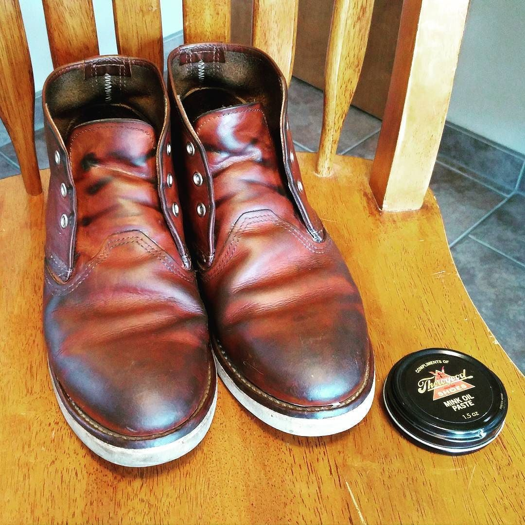 How to apply mink oil to boots
