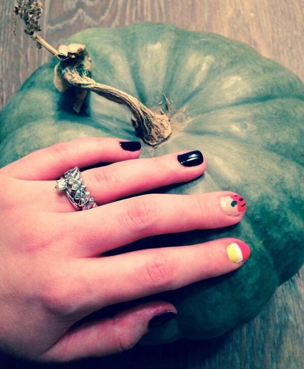 ASD on | Halloween nails, Halloween nail art, Halloween beauty